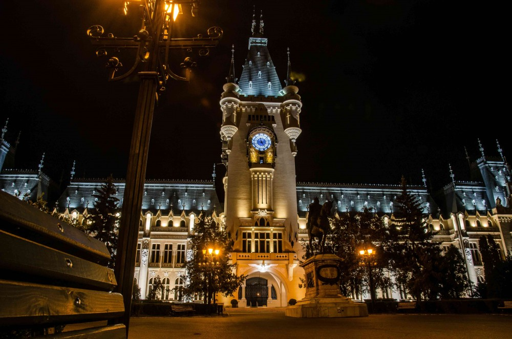 Palace of Culture Iasi at night