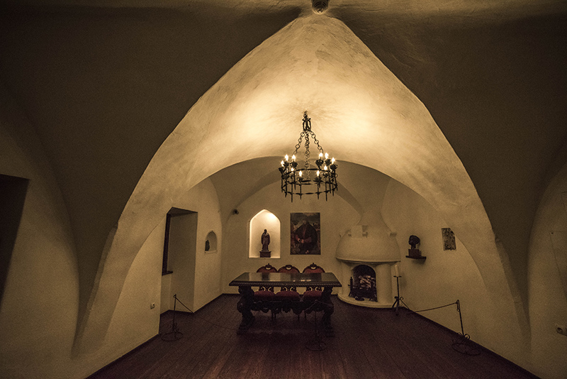 Discover Bran Castle The Legendary Castle Of Dracula - Live-bran-castle-pictures